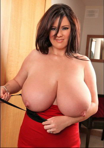 Rachel Aldana – Mega Boobed  Black.And.Red.Stretch.Bra1