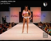 Priscila Prete long hot legs