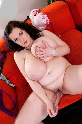 Anna Beck – Massive Tits 120 centimeters for her boobs