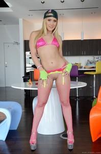 dana delany bikini photos