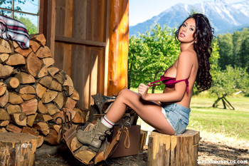Sara Kristina - Lumberjane Lust c409au9cia.jpg