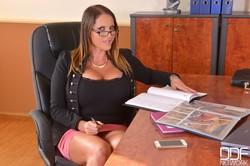 Laura Orsolya, Patty Michova 8650 a4easo3lp6.jpg